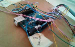Arduino collegato, impacchettato e pronto a segare punti.